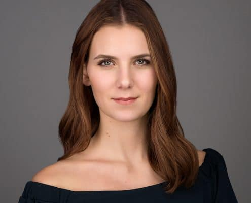 Antonia Natural Headshot