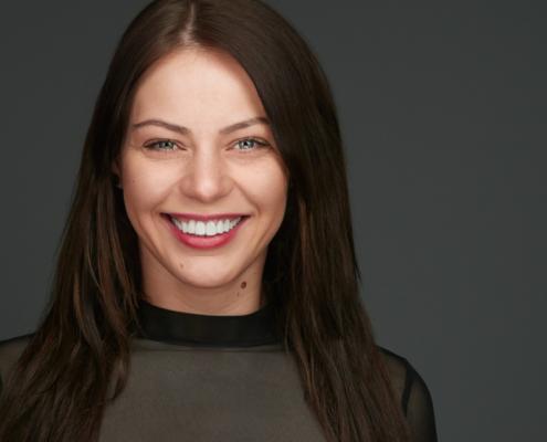 Headshot - Personal Branding - Female Executive Professional Headshot Xing Linkedin Businessportrait Düsseldorf Köln Krefeld