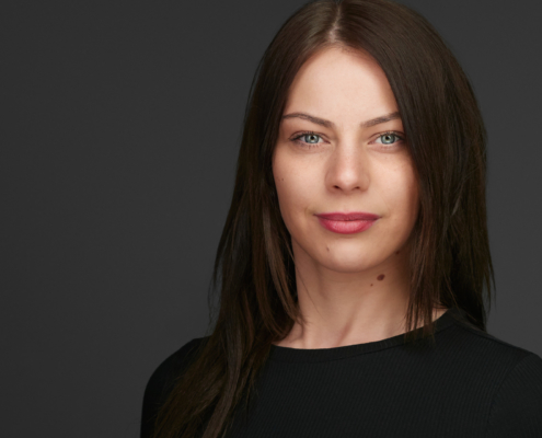 Headshot - Personal Branding - Female Executive Professional Headshot Xing Linkedin Businessportrait Düsseldorf Köln Krefeld, exklusive Bewerbungsfotos