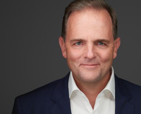 Male Executive Professional Headshot Xing Linkedin Businessportrait Düsseldorf Köln Krefeld